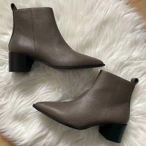 Everlane Boss boot dark taupe leather size 7.5
